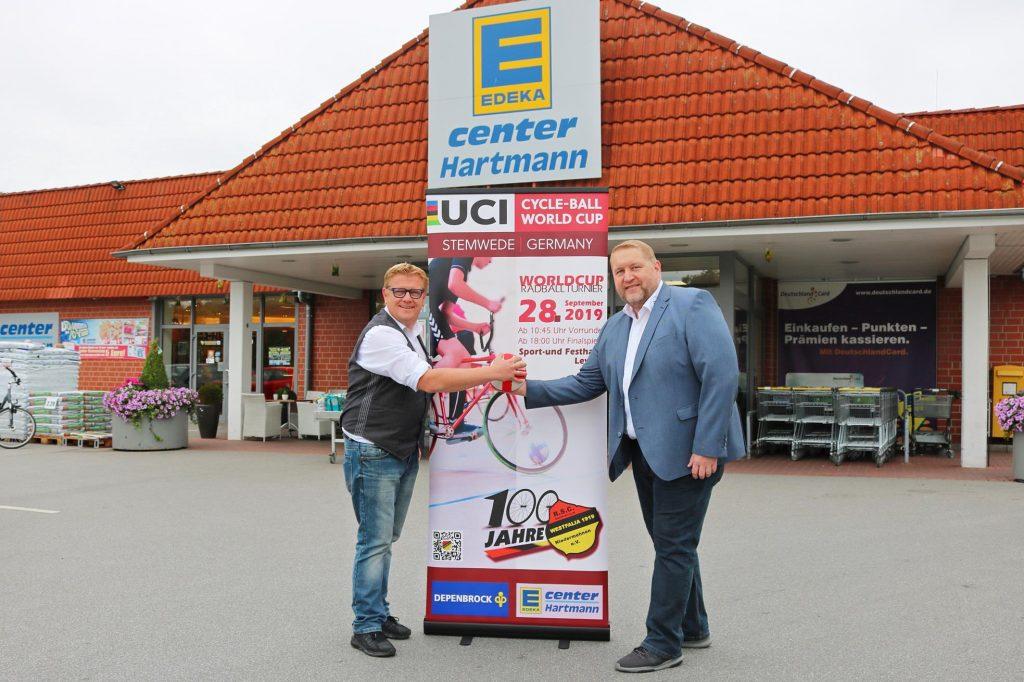 Stefan Hartmann (li.) und Thorsten Möller werben für das internationale Turnier.