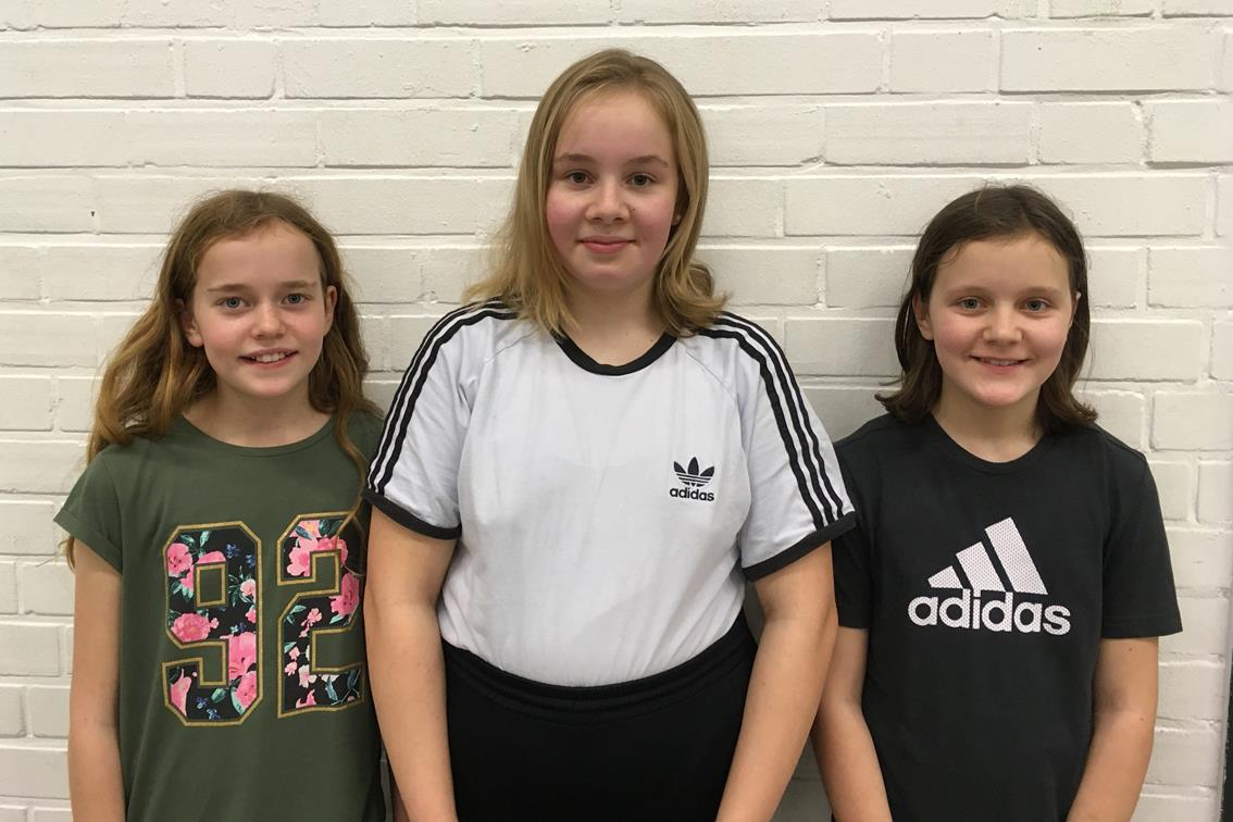 Julia, Inga und Merle spielen in Niedersachsen um Punkte.